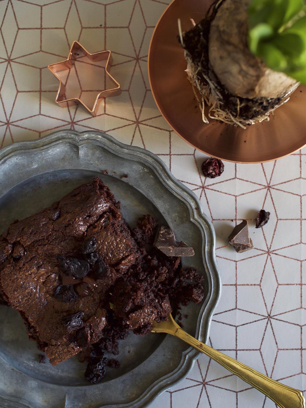 Mulled wine and cherries brownie