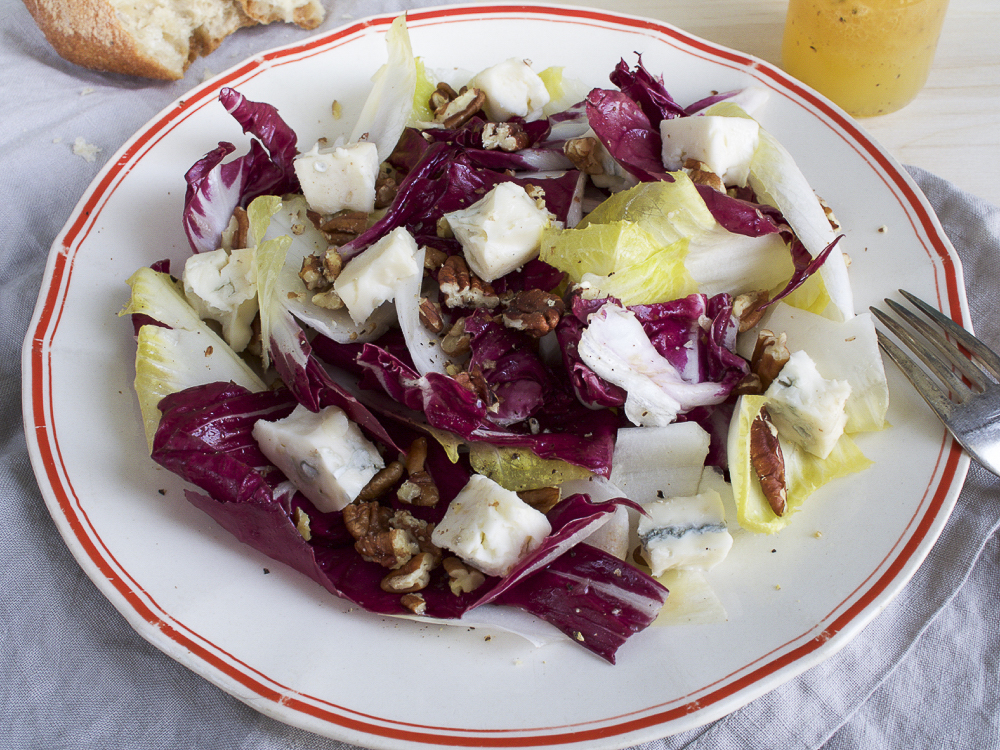 Endive and radiccio salad with gorgonzola