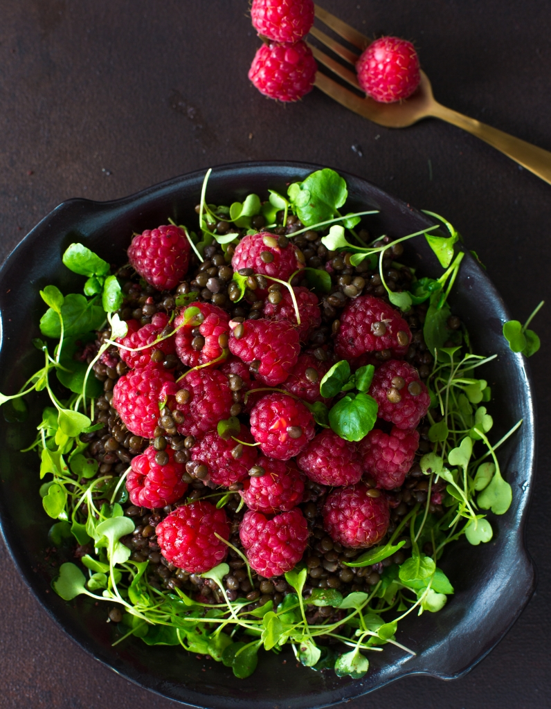 Beluga lenti salad with raspberries