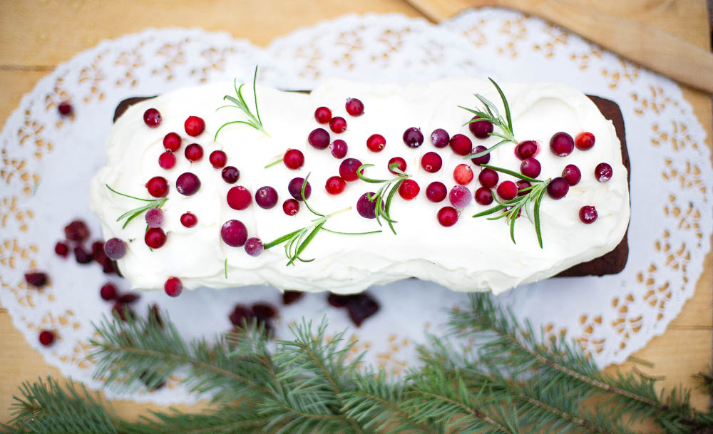 Port wine spiced cranberry cake
