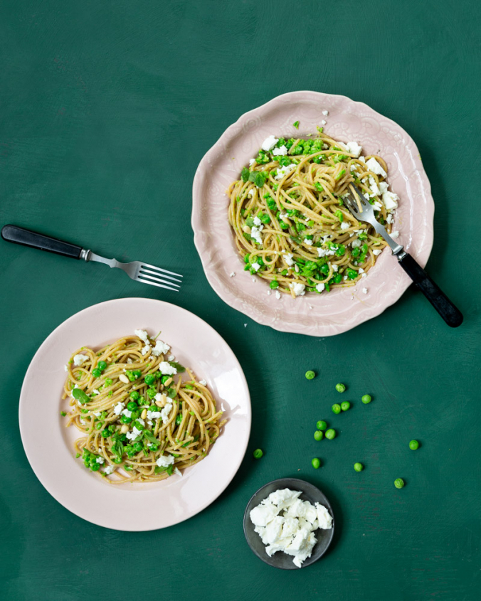 Pasta with pea pesto and feta